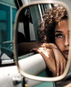 Mirror Photography, Creative Portrait Photography, Photography Poses Women, Photography Tips, Photography Tutorials, Photography Studios, Stunning Photography, Artistic Photography, Landscape Photography