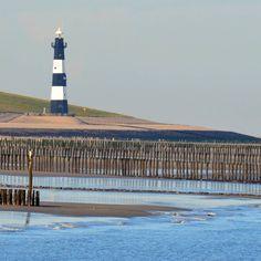 """""""Lighthouse Breskens. #lovezeeland  #breskens #zeeland #zeeuwsvlaanderen #groede #vuurtoren #strand #zee #kust #westerschelde #dunes #lighthouse #beach…"""""""