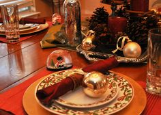 How-to-Decorate-Your-Christmas-Table-3.jpg