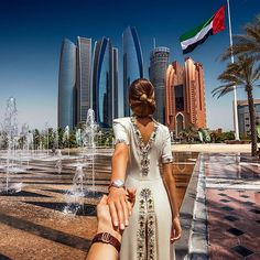 Follow me to Abu Dhabi - Murad Osmann, //168.
