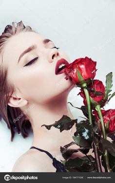 #whiteandredphotography#artisticphotography#roses#hotlips#sensualwoman#romantic