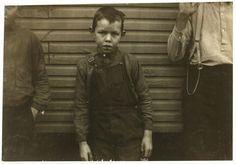 Photography by Lewis Wickes Hine Lewis Wickes Hine, Wisconsin, Southern Gothic, Southern Style, Come Undone, History Photos, Working With Children, Historical Pictures, High Resolution Photos