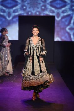 Ritu Kumar's 'Panchvastra' Collection - Asian Wedding Ideas