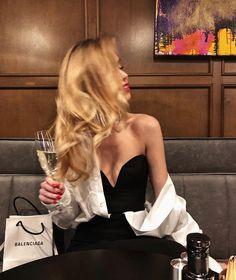 Boujee Lifestyle, Estilo Gigi Hadid, Foto Fashion, Classy Aesthetic, Looks Street Style, Luxe Life, Mode Streetwear, Rich Girl, Gossip Girl