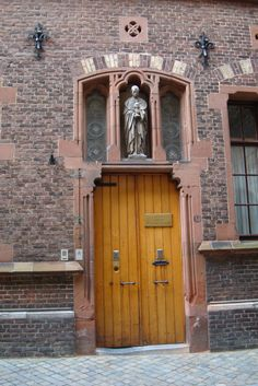 Maastricht, NL - Klooster Zusters onder de Bogen