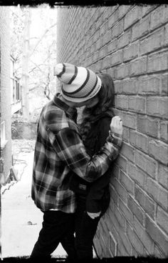 Cute couples make me sick. Only cause I don't have a bf. No offense to all the cute couples out there. Couple S'embrassant, Photo Couple, Couple Goals, Emo Love, Cute Relationships, Relationship Goals, Amor Emo, Cute Emo Couples, Swag Couples