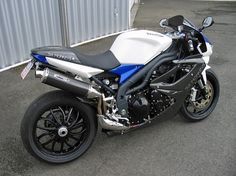 Six Monkeys Daytona 1050 Speed Triple full fairing superbike conversion