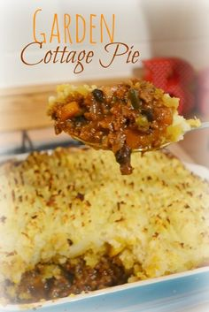 Tinned Tomatoes: Cottage Garden Pie - soya mince and loads of veg! Sounds like gorgeousness :)
