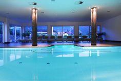 Indoor Pool im Wellnesshotel Hotel Schwarzschmied, Lana, Südtirol, Italien | Escapio