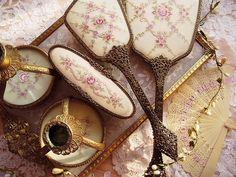 sweet dresser set