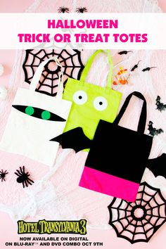 These DIY Trick-Or-Treat Halloween Bags are perfect for your Hotel Transylvania fans! Using the FREE templates, you can make your own favorite character tote bags. Dulceros Halloween, Halloween Trick Or Treat, Halloween Treats, Halloween Decorations, Halloween Design, Hotel Transylvania, Halloween Sewing Projects, Sewing Crafts, Halloween Taschen