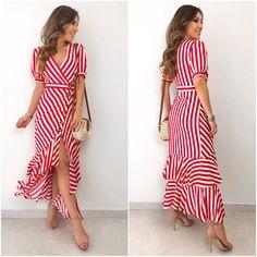 Muito amor! ❤️ Compras pelo sit Casual Dresses, Short Dresses, Summer Dresses, Chic Outfits, Fashion Outfits, Dress Neck Designs, African Print Fashion, Western Dresses, Modest Fashion