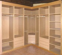 Corner closet deluxe rod and shelf on corner unit for for Closet para espacios pequenos