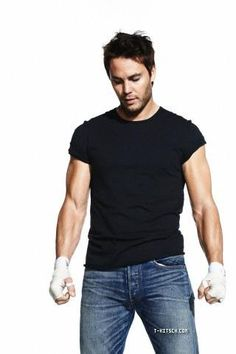 Taylor Kitsch...yes please!!!