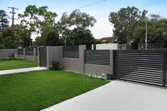 Staggering Garden fence and gate,Front yard fence for privacy and Modern fence gate design. Brick Fence, Front Yard Fence, Fenced In Yard, Front Yard Landscaping, Gabion Fence, Pallet Fence, Farm Fence, Fence Art, Bamboo Fence