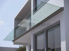 Toldo em alumínio e vidro LINEA | Toldo de vidro Coleção Abrigos by FARAONE | design Nino Faraone, Roberto Volpe