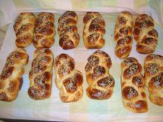 Ελληνικές συνταγές για νόστιμο, υγιεινό και οικονομικό φαγητό. Δοκιμάστε τες όλες Hot Dog Buns, Hot Dogs, French Toast, Bread, Breakfast, Food, Morning Coffee, Brot, Essen