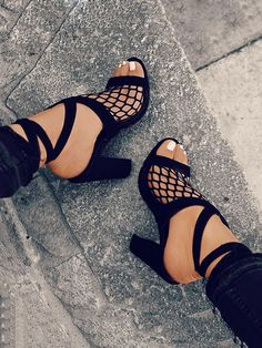 Hollow Out Lace-up Block Heeled Sandals
