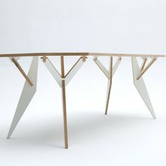 Y-Parametric table - interesting name, beautiful table. A round table like this would be nice.
