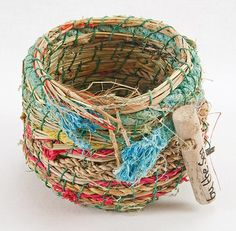 JOY BEEBY: BY THE SEA Weaving Projects, Weaving Art, Hand Weaving, Textile Sculpture, Textile Art, Rope Basket, Basket Weaving, Pine Needle Crafts, Contemporary Baskets