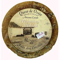 Sublime este queso curado artesano elaborado con leche cruda de ovejas manchegas, con 12 meses de curación, madurado lentamente en bodega. 18€/Kg