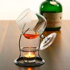 Ποτήρι κονιάκ σε επάργυρη βάση με ρεσώ για να απολαμβάνετε το ποτό σας. Σε συσκευασία δώρου