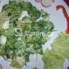 Česneková brokolice se sýrovou omáčkou recept - Vareni.cz Sprouts, Broccoli, Vegetables, Food, Essen, Vegetable Recipes, Meals, Yemek, Veggies