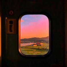 Aesthetic landscape city sky travel around the world nature vacation ideas sunset sunrise pink sky view wallpaper Sky Aesthetic, Aesthetic Photo, Aesthetic Pictures, Travel Aesthetic, Aesthetic Vintage, Arte 8 Bits, Pretty Pictures, Aesthetic Wallpapers, Scenery