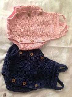 Extreme Cute Knitted Baby Rompers – Knitting And We Baby Boy Knitting Patterns, Baby Sweater Patterns, Knitting For Kids, Baby Patterns, Beginner Knitting, Tricot Baby, Pull Bebe, Knitted Baby Clothes, Baby Cardigan