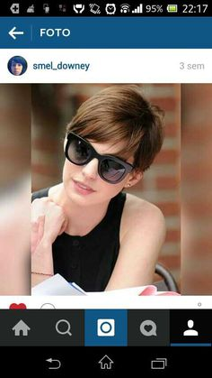 4250afe3a8 Anne Hathaway pixie Hairstyles With Glasses