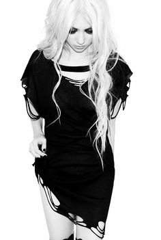 Do you remember Cindy Lou-Who? I do, and she's all grown up now...Taylor Momsen