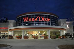 BI-LO and Winn-Dixie serve customers in over 650 grocery stores and over 450 in store pharmacies throughout the south eastern United States. Description from worknearyou.net. I searched for this on bing.com/images