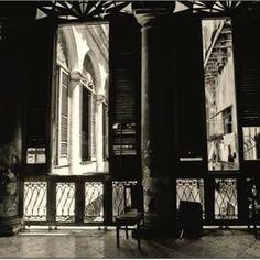 Interior Plaza vieja. De la  serie: La Ciudad de las Columnas Plaza, Interior, Artist, Columns, Cities, Indoor, Artists, Interiors
