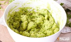 Chipotle Guacamole Recipe Chipotle Restaurant Recipes, Chipotle Guacamole Recipe, The Slow Roasted Italian, Family Meals, Food Videos, Mexican, Ethnic Recipes, Spreads, Dressings