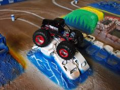 Custom 1:64 Monster Jam Trucks and Arena