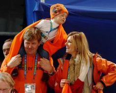 Zijne Koninklijke Hoogheid de Prins van Oranje legt naar aanleiding van de troonswisseling zijn officiële functies neer, met in achtneming van de termijn en afhankelijk van de procedures van de betreffende organisatie.