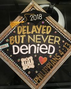 Custom ahead Toppers - New Sites Graduation Cap Toppers, Graduation Cap Designs, Graduation Cap Decoration, Graduation Diy, Grad Cap, Nursing Graduation Caps, Custom Graduation Caps, Graduation Stole, Graduation Outfits