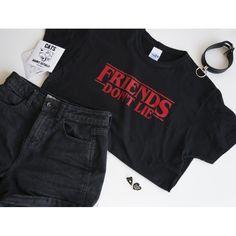 Camiseta negra 100% algodón - inspirada en la serie Stranger Things La camiseta de la foto es una talla S consulta la guía de tallas en la descripción del producto!
