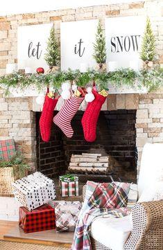 47 Pretty Christmas Fireplace Decor Ideas That Will Amaze You Diy Christmas Fireplace, Christmas Mantels, Rustic Christmas, Christmas Fun, Christmas Decorations, Fireplace Ideas, Fireplace Decorations, Fireplace Design, Diy Christmas Wall Decor
