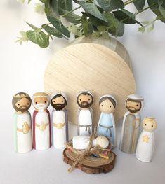 Nativity Peg Doll, Diy Nativity, Wood Peg Dolls, Clothespin Dolls, Nativity Sets, Christmas Bells, Christmas Crafts, Christmas Decorations, Christmas Printables
