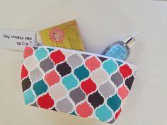 Handmade makeup bag. Quatrefoil pattern, gift ideas for wedding party. #etsyshop #gifts #handmade #etsy @etsy