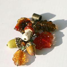 Осенний кулон, в продаже 😉😊😍🍂🍁🍂 Подробности в личку.  #стекло  #продажа  #лэмпворк  #glass  #glassmagic  #lampwork  #forsale