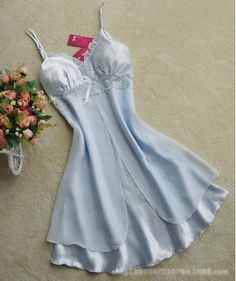 No need for words! This adorable nightgown will not only keep you comfortable but also keep your other half from leaving the bed! Hurry up and get it while supplies last! Gender: Women Item Type: Nigh