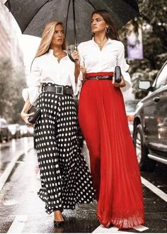 I love the look of a white shirt and beautiful skirt - Long skirt outfits for fall - Mode Outfits, Chic Outfits, Fashion Outfits, Womens Fashion, Look Fashion, Fashion Beauty, Trendy Fashion, Winter Fashion, Maxi Skirt Outfits