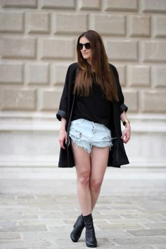 one+teaspoon+cut+off+jeans+oversized+blazer.jpg 800 × 1 200 pixels