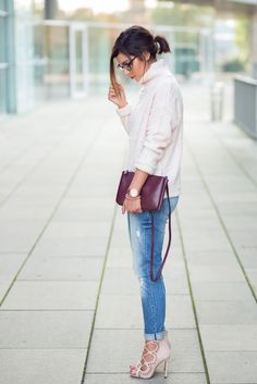 Turtleneck and Boyfriendjeans // Pink Turtleneck Sweater
