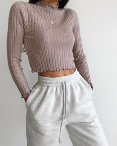 clothes and outfits Cute Lazy Outfits, Simple Outfits, Outfits For Teens, Stylish Outfits, Casual Fall Outfits, Grunge Outfits, Grunge Dress, Winter Fashion Outfits, Look Fashion