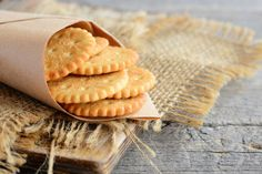 Healthy Teething Biscuits Recipes Your Kids Will Surely Love Teething Biscuits, Easy Peanut Butter Cookies, Just Bake, Salty Snacks, Biscuit Recipe, Kids Meals, Healthy Alternatives, Sweet Recipes, Tapas
