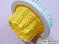 Free pattern: cable hat (loom knitting) using Martha Stewart Loom kit
