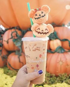 'Tis the season to drink and enjoy the infamous PSL (Pumpkin Spice Latte)!| Halloween at Disney | Walt Disney World | Disneyland | MNSSHP
